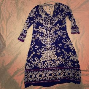 Beautiful White House black market tunic